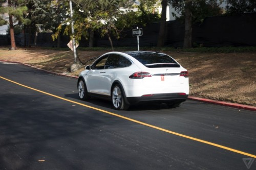 tesla-model-x-launch-006-2040.0-500x333
