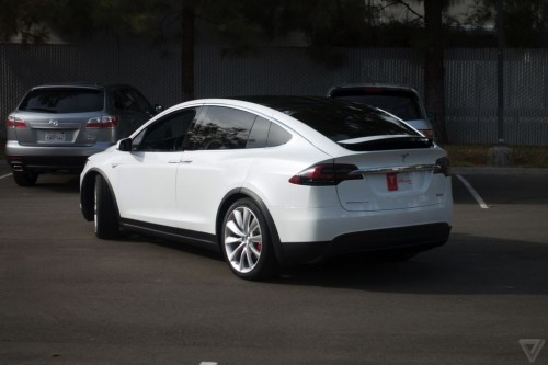 tesla-model-x-launch-008-2040.0-500x333