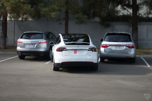 tesla-model-x-launch-009-2040.0-500x333