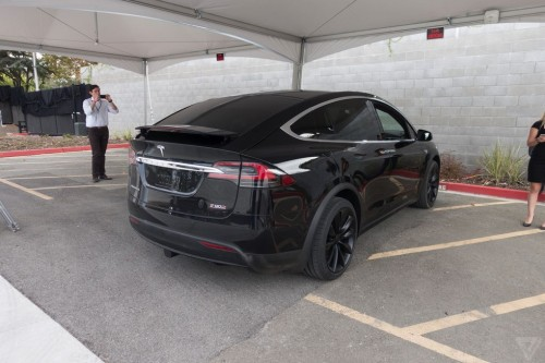 tesla-model-x-launch-010-2040.0-500x333