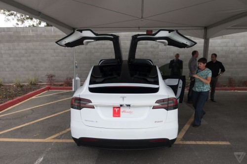 tesla-model-x-launch-017-2040.0-500x333