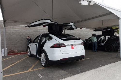 tesla-model-x-launch-020-2040.0-500x333