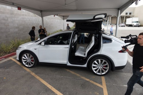 tesla-model-x-launch-021-2040.0-500x333