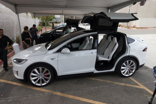 tesla-model-x-launch-022-2040.0-500x333