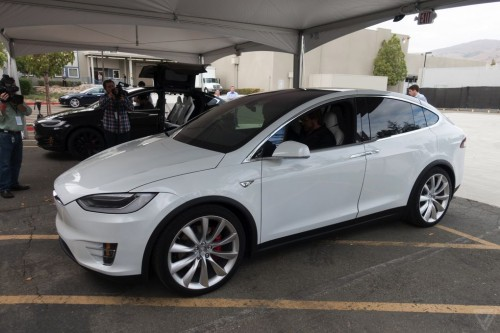 tesla-model-x-launch-024-2040.0-500x333