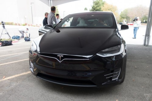 tesla-model-x-launch-027-2040.0-500x333