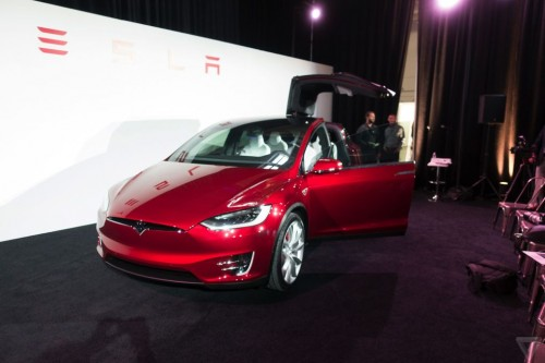 tesla-model-x-launch-041-2040.0-500x333